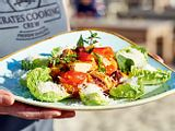 Caesar Salad mit gekapertem Ofenhuhn Rezept