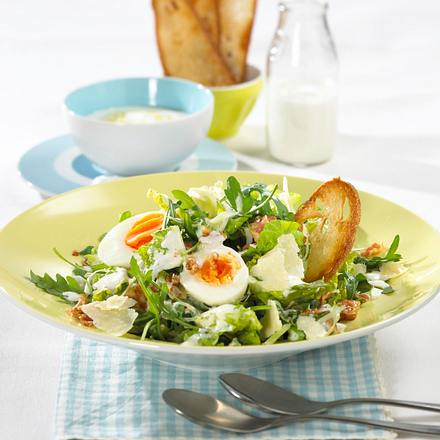 caesar salad mit joghurt knobi dressing rezept chefkoch rezepte auf kochen backen. Black Bedroom Furniture Sets. Home Design Ideas