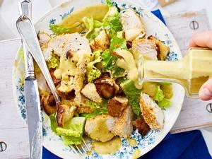 Caesar Salad trifft Sesam-Knusperhuhn Rezept