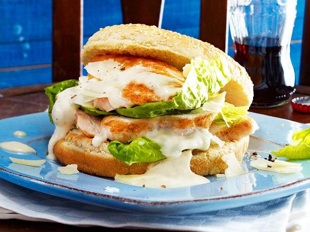 Caesar's-Salad-Burger mit Chicken Rezept