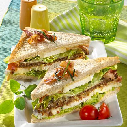 Camembert-Sandwich mit Bacon Rezept