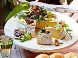 Camemberttorte mit Traubensalat Rezept
