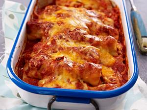 Cannelloni mit Bratwurstbrät in Tomaten-Currysoße Rezept