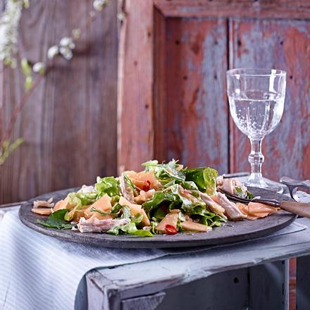 Cantaloupe-Salat mit Asiahähnchen Rezept