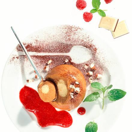 Cappuccino-Mousse mit Himbeersoße Rezept