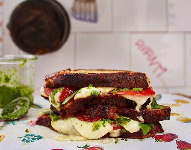 Caprese-Sandwich mit Rucola Rezept