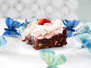 Carrot Brownies mit Baiser und Erdbeercreme Rezept