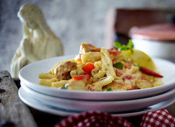Casarecce mit knusprigen Hähnchenstreifen und Paprika-Frischkäse-Soße Rezept