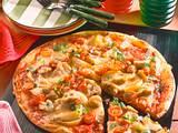Champignon-Salami-Pizza Rezept
