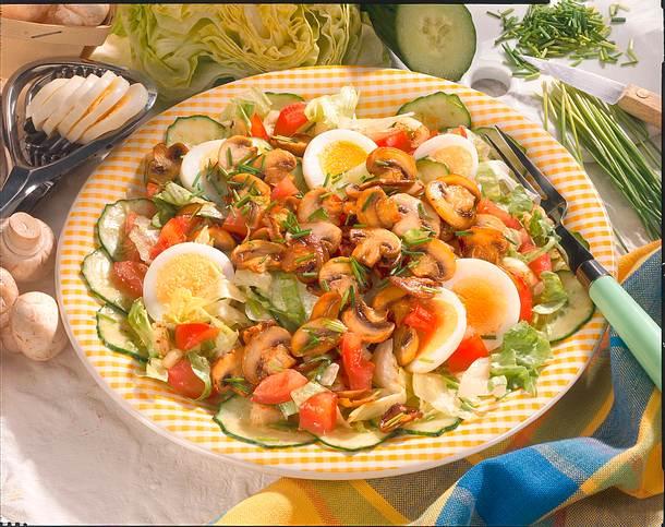 Champignon-Salat mit Ei Rezept