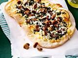 Champingnon-Spinat-Pizza mit Ziegenfrischkäsecreme und Rettich Rezept