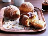 Cheesecake-Berliner mit gesalzenem Karamell Rezept