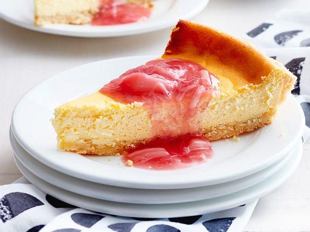 Cheesecake mit Rhababersoße Rezept