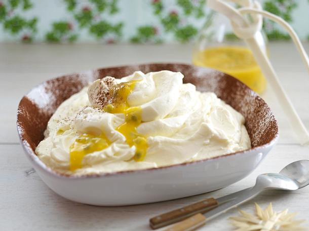 Cheesecakecream mit Mango-Passionsfruchtsoße Rezept