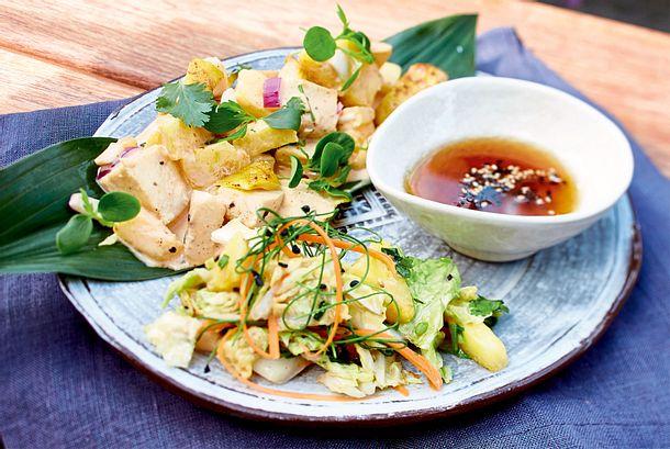 Chicken-Ananas-Curry mit asiatischem Kohlsalat Rezept