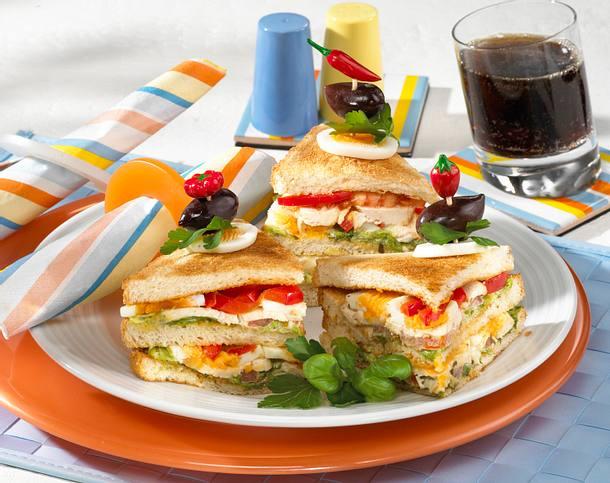 Chicken-Sandwich mit Tomate & Ei Rezept