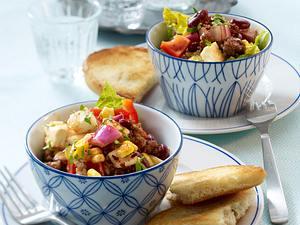 Chili con Carne-Salat mit Schafskäse, Mais und Hackfleisch Rezept