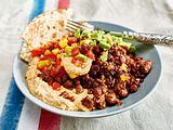 Chilihack mit Hummus und bunter Salsa Rezept