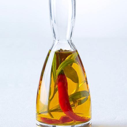 Chiliöl mit Estragon und Lorbeer (4 mal anders) Rezept