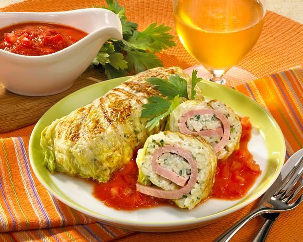 Chinakohlröllchen in Tomatensoße Rezept