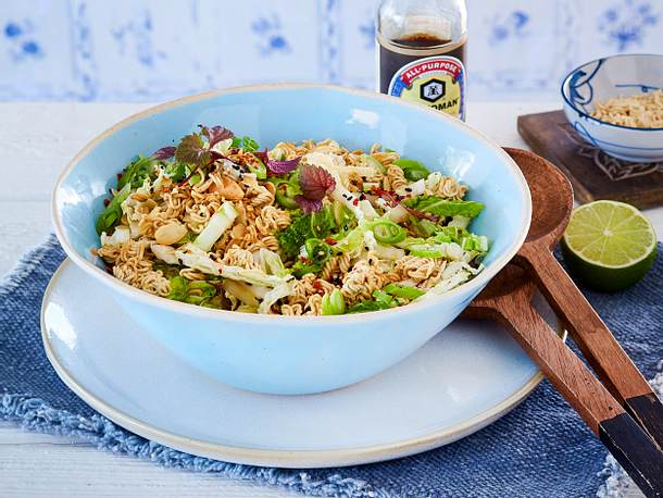 Chinakohlsalat mit Mie-Nudeln Rezept