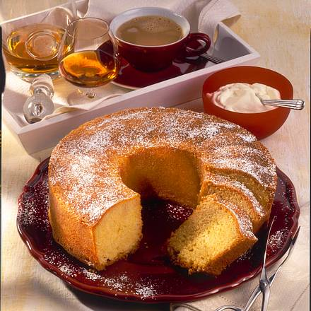Cognac-Kranzkuchen Rezept