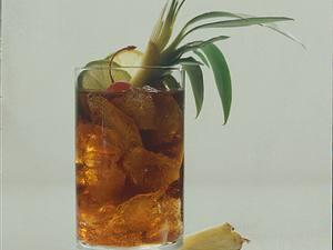 Cola-Rum mit Ananas Rezept