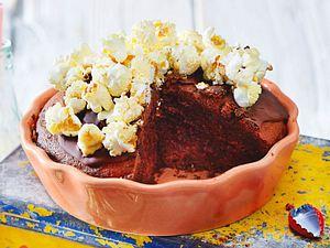 Cola-Schokokuchen mit Popcorn Rezept