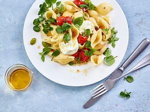 Conchiglie mit  Kirschtomaten und Büffelmozzarella Rezept