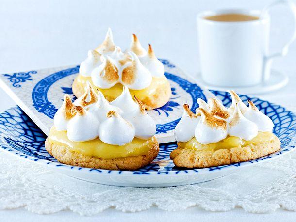 Cookie-Törtchen mit Baiser Rezept