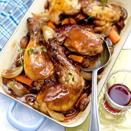 Coq au vin (Hähnchen in Rotweinsoße) Rezept