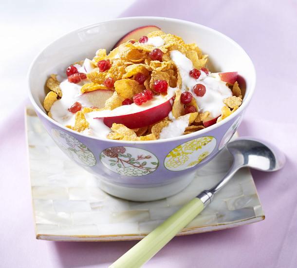 Cornflakes-Müsli mit Apfel, Kefir und Preiselbeeren Rezept