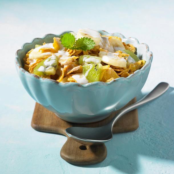 Cornflakes-Müsli mit Kiwi, Banane und Kefir (Diät) Rezept