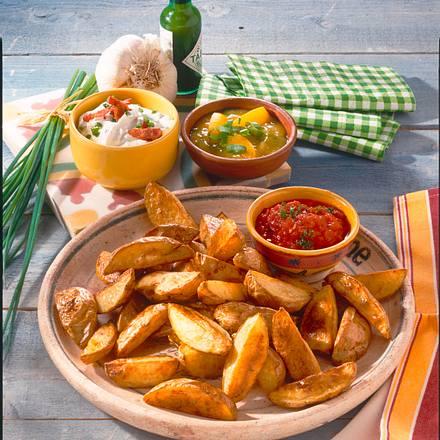 Country-Potatoes vom Blech mit dreierlei Dip Rezept