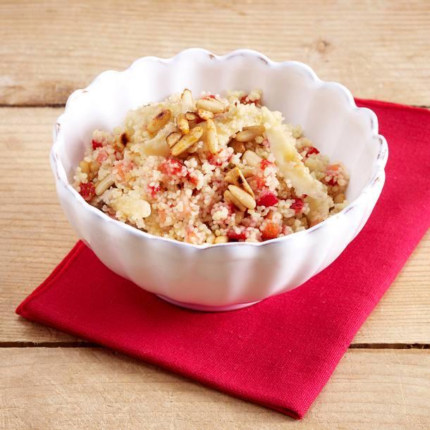 Couscous mit Hähnchenstreifen, grünem Spargel, Feta und Petersilie Rezept