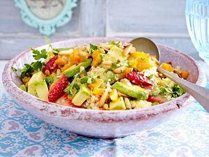 Couscoussalat mit Avocado und Erdbeeren Rezept