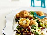 Couscoussalat mit Blumenkohl-Tabouleh und Feta-Falafel Rezept