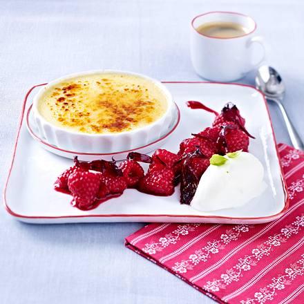 Crème brûlée légère mit Himbeeren Hibiskus und Basilikum-Sorbet Rezept