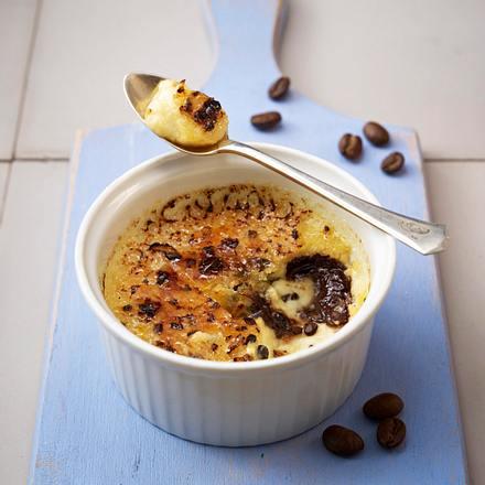 Crème Brûlée mit Gewürz-Chai-Tee und Pistazien Rezept
