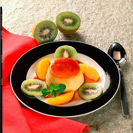 Creme Caramel mit Kiwi und Orangen Rezept
