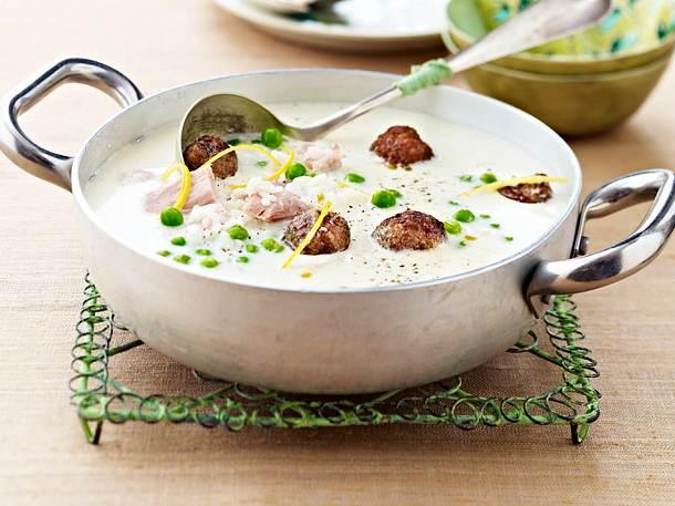 Cremige Hühnersuppe mit Reis und Hackbällchen Rezept