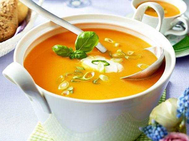 Cremige Orangen-Möhrensuppe Rezept