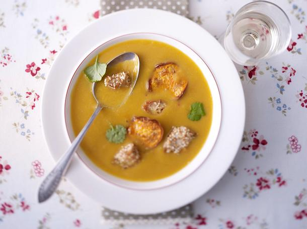 Cremige Süßkartoffelsuppe mit Chili Rezept