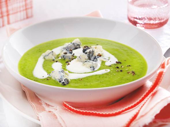 Cremige Zucchinisuppe mit Gorgonzola Rezept