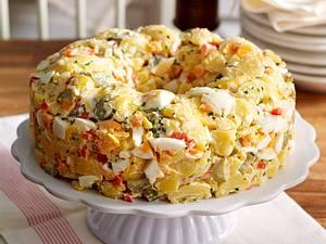 Cremiger amerikanischer Kartoffelsalat Rezept