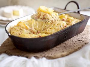 Cremiger Kartoffelauflauf mit Raclette Rezept