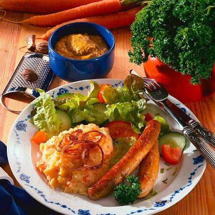 Cremiges Kartoffel-Möhren-Püree mit Bratwürstchen Rezept