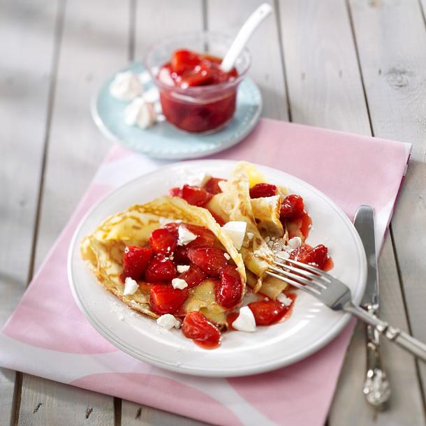 Crêpes mit Erdbeer-Kompott Rezept