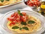Crêpes mit Tomatensalat Rezept