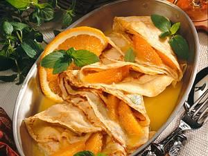 Crêpes Suzette mit Orangenfilets Rezept